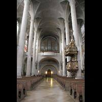 Straubing, Basilika St. Jakob, Innenraum / Hauptschiff in Richtung Orgel