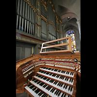 Straubing, Basilika St. Jakob, Hauptspieltisch und Orgel