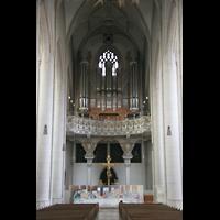 Ingolstadt, Liebfrauenmünster (Truhenorgel), Blick zur Hauptorgel