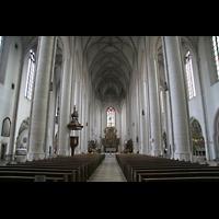 Ingolstadt, Liebfrauenmünster (Truhenorgel), Innenraum / Hauptschiff in Richtung Chor