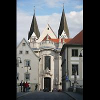 Eichstätt, Dom, Blick von der Spitalbrücke auf die barocke Westfassade
