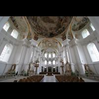 Neresheim, Abteikirche, Innenraum / Hauptschiff in Richtung Chor