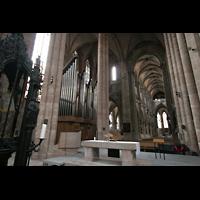 Nürnberg, St. Sebald, Orgel mit Altarraum und Blick zum Westchor