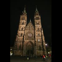 Nürnberg (Nuremberg), St. Lorenz (Positiv), Fassade bei Nacht