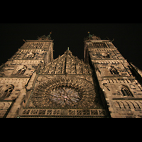 Nürnberg (Nuremberg), St. Lorenz (Positiv), Türme bei Nacht