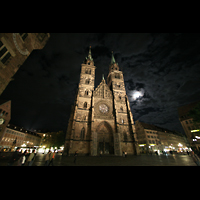 Nürnberg (Nuremberg), St. Lorenz (Positiv), Lorenzplatz bei Nacht