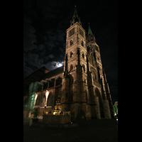 Nürnberg (Nuremberg), St. Lorenz (Positiv), Seitenansicht bei Nacht