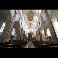Fulda, Stadtpfarrkirche St. Blasius, Innenraum / Hauptschiff in Richtung Chor