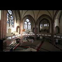 Berlin (Tiergarten), Heilig-Geist-Kirche Moabit, Blick von der Orgelempore