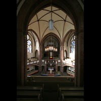 Berlin (Tiergarten), Heilig-Geist-Kirche Moabit, Blick von der gegenüberliegenden Empore zur Orgel
