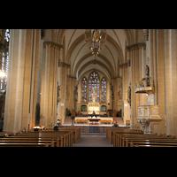 Paderborn, Dom St. Maria, St. Liborius und St. Kilian, Innenraum / Hauptschiff in Richtung Chor