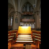 Paderborn, Dom St. Maria, St. Liborius und St. Kilian, Hauptspieltisch mit Chororgel