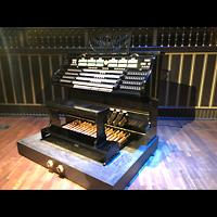 Budapest, Zeneakadémia (Franz-Liszt-Akademie), Spieltisch seitlich