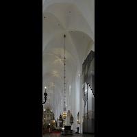 Malmö, S:t Petri Kyrka, Blick vom Chor auf die Chor- und Hauptorgel
