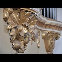 Rötha, St. Georgen, Prospektdetail, vergoldetes Schnitzwerk