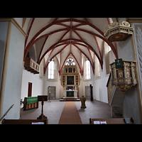 Rötha, St. Georgen, Innenraum in Richtung Chor