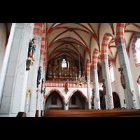 Ochsenfurt, St. Andreas, Innenraum / Hauptschiff in Richtung Orgel