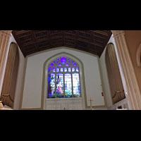 Hanover (PA), St. Matthew's Lutheran Church, Orgelprospekte links und rechts im Chorraum