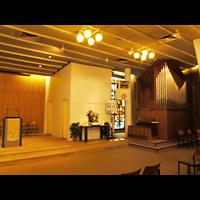 Berlin - Neukölln, Adventisten Neukölln, Altarraum mit Orgel