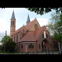 Berlin - Pankow, Alte Pfarrkirche ''Zu den Vier Evangelisten'' (Hauptorgel), Außenansicht der Kirche