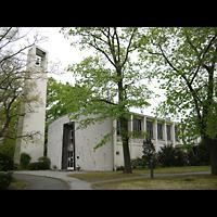 Berlin - Zehlendorf, Amerikanische Kirche, Außenansicht der Kirche mit Turm