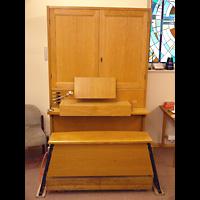 Berlin - Mitte, Annenkirche (SELK) - Kleine Orgel im Gemeindesaal, Positiv
