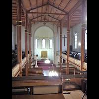 Berlin - Mitte, Annenkirche (SELK) - Kleine Orgel im Gemeindesaal, Blick von der Orgelempore in die Kirche