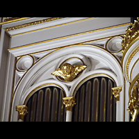 Berlin - Mitte, Annenkirche (SELK) - Kleine Orgel im Gemeindesaal, Prospektdetail der Hauptorgel