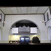 Berlin - Treptow, Christus König Adlershof, Innenraum in Richtung Orgel