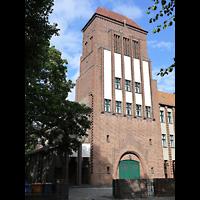 Berlin - Treptow, Christus König Adlershof, Außenansicht der Kirche