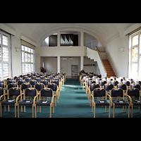 Berlin - Zehlendorf, Diakonieverein, Innenraum in Richtung Orgel