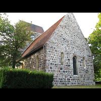Berlin - Neukölln, Dorfkirche Buckow, Außenansicht Chorseite