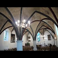 Berlin - Neukölln, Dorfkirche Buckow, Innenraum in Richtung Altar