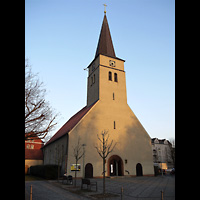 Berlin - Lichtenberg, Dorfkirche Friedrichsfelde, Außenansicht der Kirche