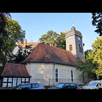 Berlin - Neukölln, Dorfkirche Rixdorf (Bethlehemskirche), Außenansicht der Kirche