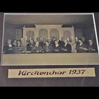 Berlin - Neukölln, Dorfkirche Rixdorf (Bethlehemskirche), Kirchenchor 1937 vor der Sauer-Vorgängerorgel (1928)