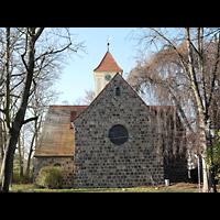 Berlin - Rudow, Dorfkirche, Außenansicht der Kirche, Chorseite