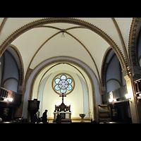 Berlin - Treptow, Ev. Kirche Altglienicke (Hauptorgel), Innenraum in Richtung Altar