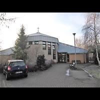 Berlin - Hellersdorf, Evangelische Kirche, Außenansicht der Kirche