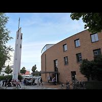 Berlin (Lichtenberg), Ev. Kirche Wartenberg, Außenansicht der Kirche mit Turm