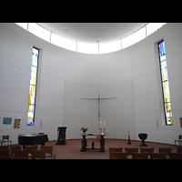 Berlin (Lichtenberg), Ev. Kirche Wartenberg, Innenraum in Richtung Altar