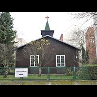 Berlin - Friedrichshain, Evangelisch-methodistische Christuskirche (Holzkirche), Außenansicht der Kirche