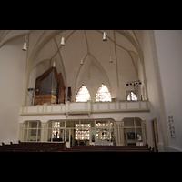 Berlin (Kreuzberg), Evangelisch-methodistische Christuskirche, Innenraum in Richtung Orgel