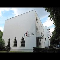 Berlin - Schöneberg, Evangelisch-methodistische Friedenskirche Friedenau, Außenansicht der Kirche