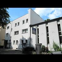 Berlin - Schöneberg, Evangelisch-methodistische Friedenskirche Friedenau, Außenansicht, Hofseite