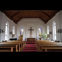 Berlin - Köpenick, Evangelisch-methodistische Friedenskirche Oberschöneweide, Innenraum in Richtung Altar