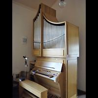 Berlin - Neukölln, Evangelisch-methodistische Salemkirche, Orgel seitlich