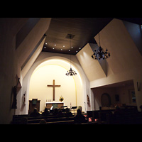 Berlin (Charlottenburg), Friedenskirche Westend, Innenraum in Richtung Altar