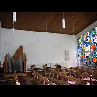 Berlin - Neukölln, Gemeindezentrum Rudow-West, Innenraum mit Orgel