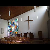 Berlin - Neukölln, Gemeindezentrum Rudow-West, Innenraum in Richtung Altar